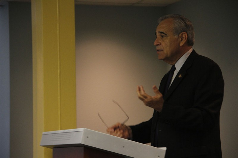 Congressman+Charles+Gonzalez+addressed+students+Wednesday+Oct.+17+during+a+program+titled+%C3%A2%E2%82%AC%C5%93Coffee+with+Congress%3A+A+Discussion+with+House+Democrat+Charles+Gonzalez.%C3%A2%E2%82%AC%C2%9D+The+event+was+co-sponsored+by+the+dean%C3%A2%E2%82%AC%E2%84%A2s+office+and+Pi+Sigma+Alpha%2C+the+political+science+honor+society+on+campus.+Photo+by+Aidan+Kirksey.