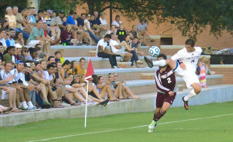 Men's soccer splits opening weekend of the new season