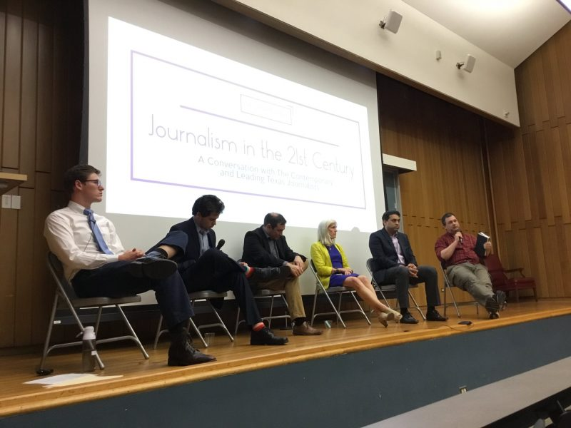 The Contemporary hosted five Texas journalists. Junior Benjamin Collinger, far left, moderated the event. The panelists included, from left to right, Jasper Sherer of the San Antonio Express-News, Greg Jefferson of the San Antonio Current, Beth Frerking of the Rivard Report, Ayan Mittra of the Texas Tribune and David Martin Davies of Texas Public Radio. Photo provided by Zabdi Salazar