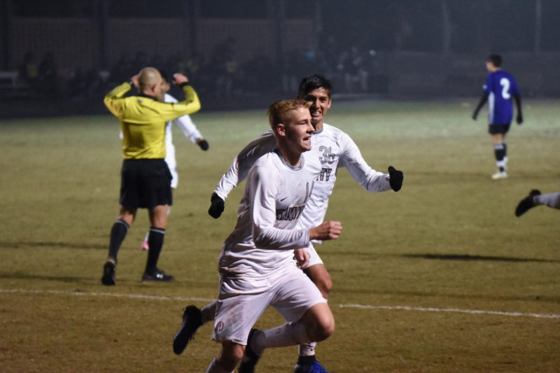 Trinity Men's Soccer books ticket to Chicago for Sweet 16