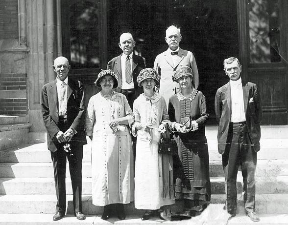 Trinity University alumni pose for a photo in Waxahachie, Texas. The alums attended Trinity University's Tehuacana campus before it moved in 1902. According to Douglas Brackenridge, a Trinity University historian, there are no photos  from the 50th Anniversary celebration in the archives or local newspapers. Photo credit: Douglas Brackenridge